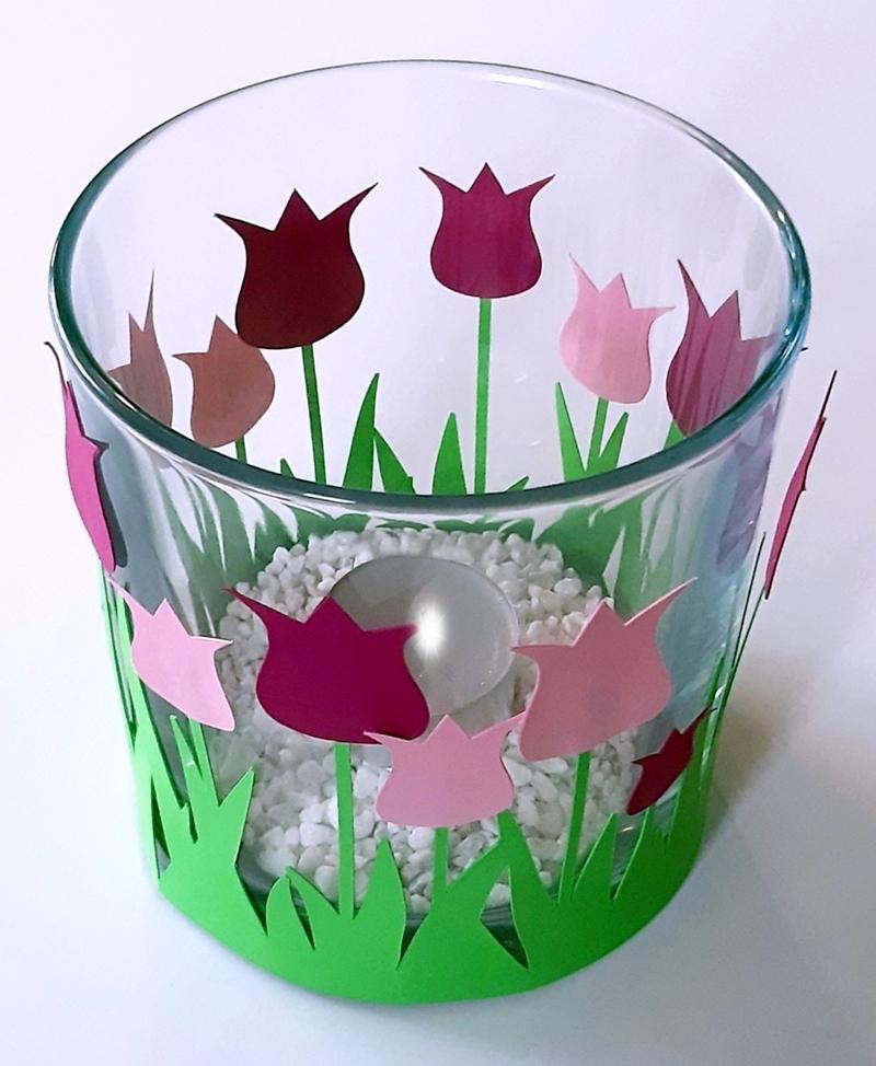Tulpen aus Papier als Windlicht-Deko..