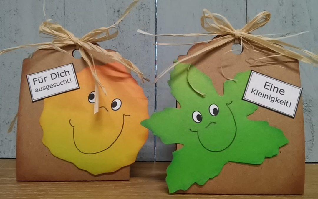 Geschenk – Taschen mit lustigen Herbstblättern