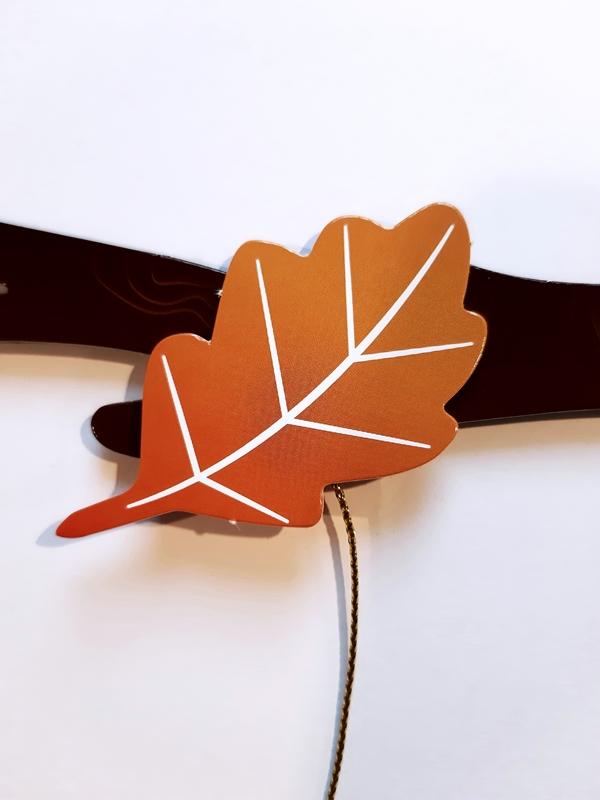 Blätter werden befestigt