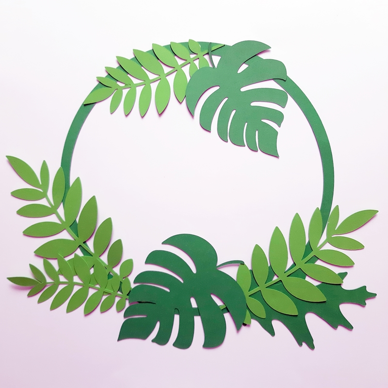 Ein grüner Kranz mit Blättern
