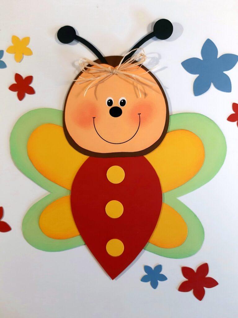 Schmetterling fürs Blumenfenster aus Bastelpapier.