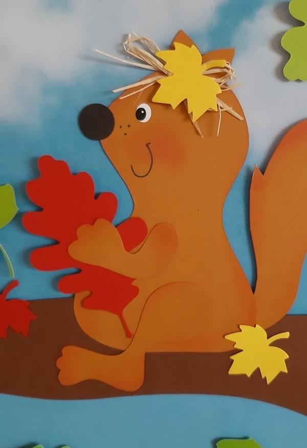 Der Lieblingsplatz vom Eichhörnchen in der Nahansicht.
