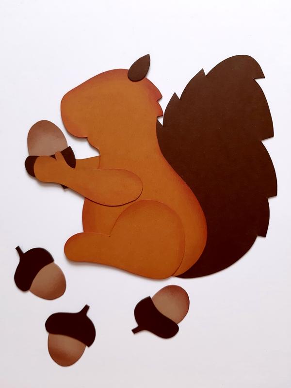 Einzelteile vom Eichhörnchen werden zusammen geklebt