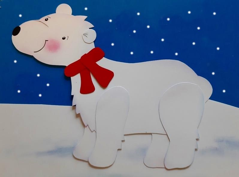 Ein Eisbär aus Fotokarton.