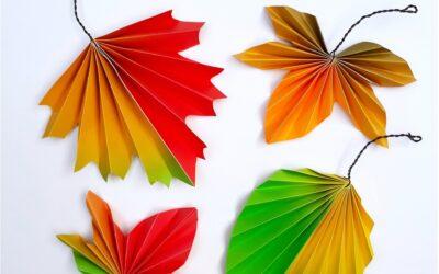 Faltblätter in herbstlichen Farben