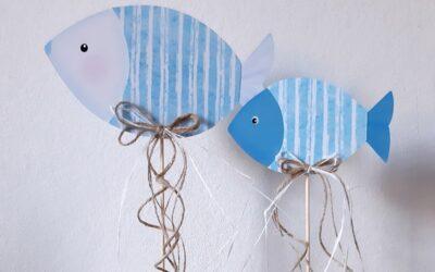 Fische am Stab in blau-weiß