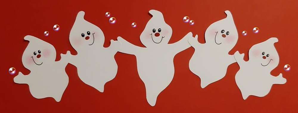 5 Geister halten sich an den Händen.