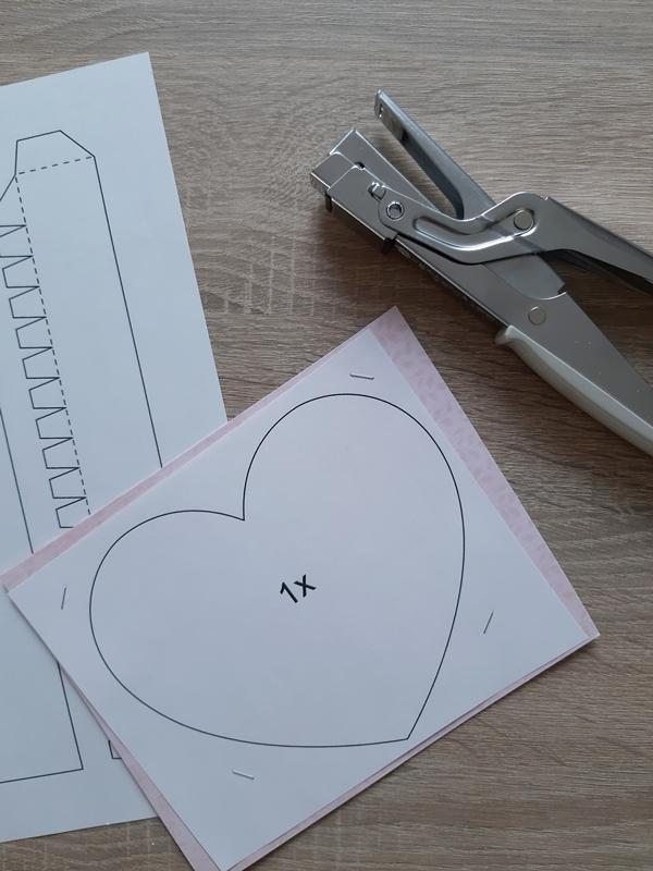 Vorlagebogen für eine Herzschachtel