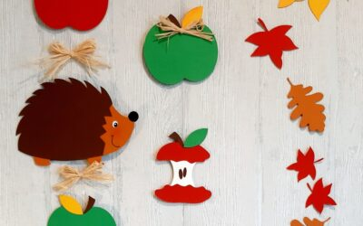 Igel beim Apfelschmaus