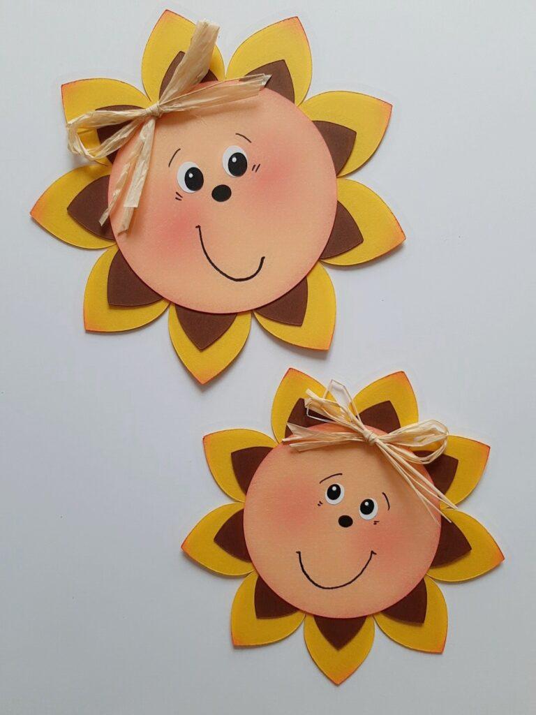 Sonnenblumen mit Gesicht aus Bastelpapier