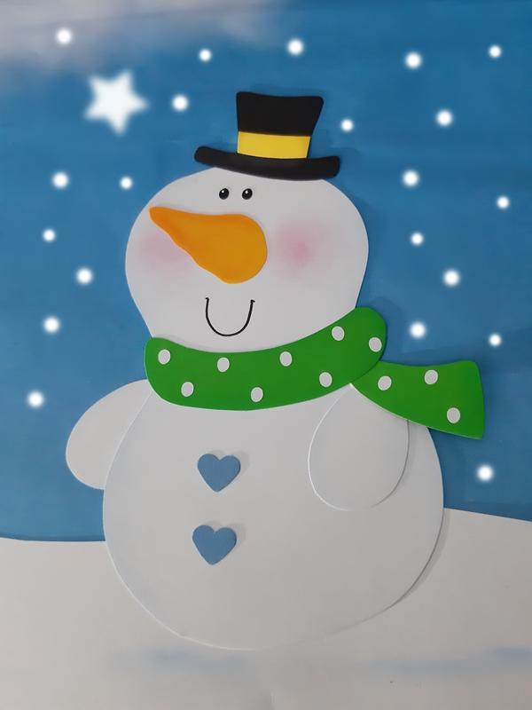 Schneemann aus Papier