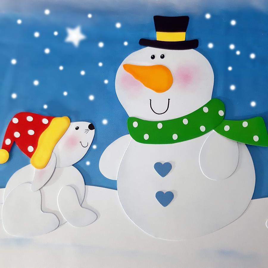 Schneehase mit Schneemann