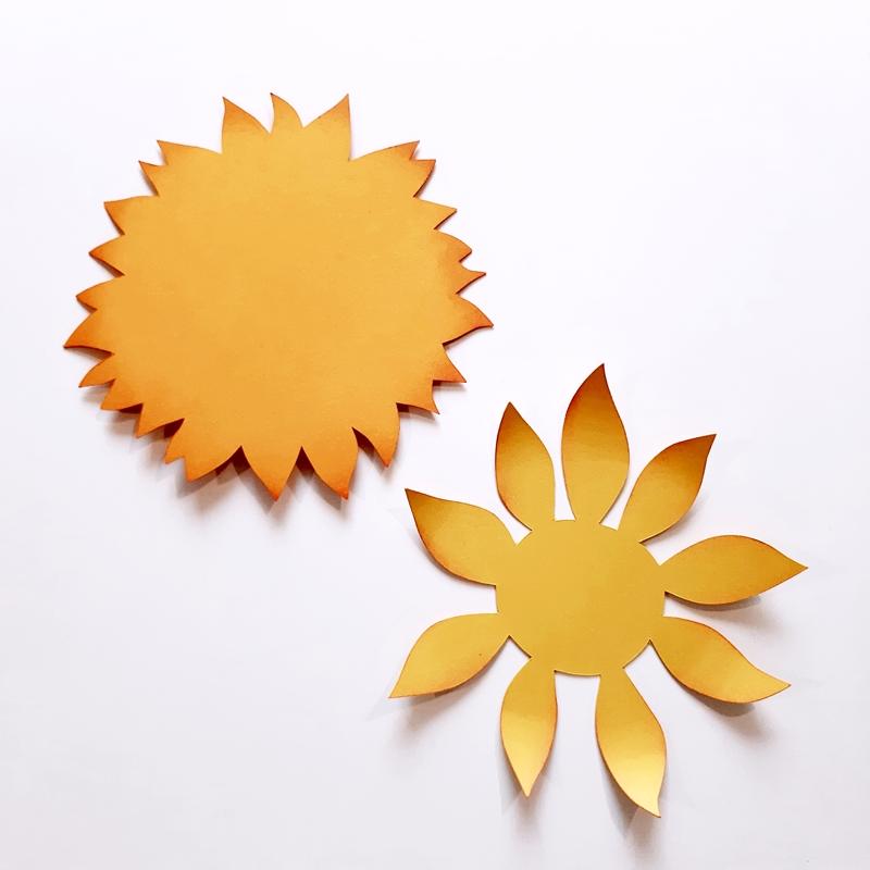 Blütenblätter einer Sonnenblume aus Bastelpapier