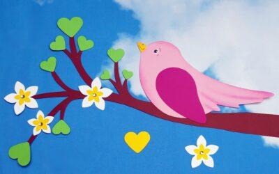 Bunte Vögel im Garten
