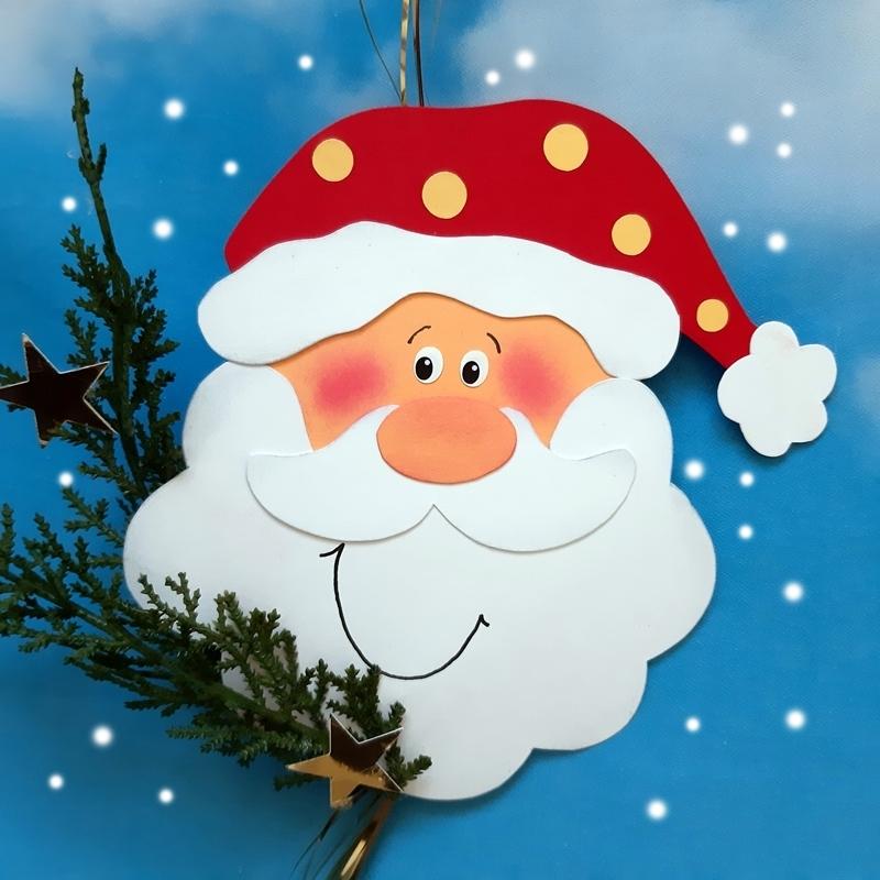 Weihnachtsmannkopf aus Papier.