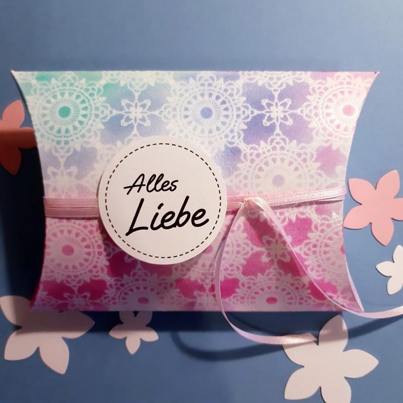 Pillowbox aus bemaltem Zauberpapier