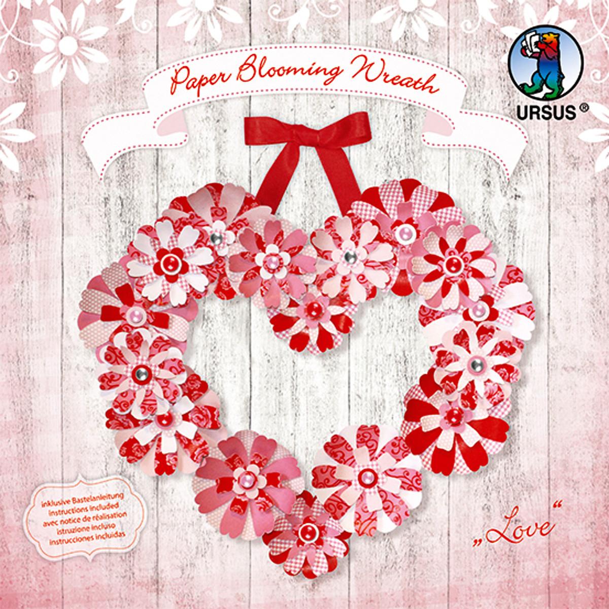 "Paper Blooming Wreath ""Love"""